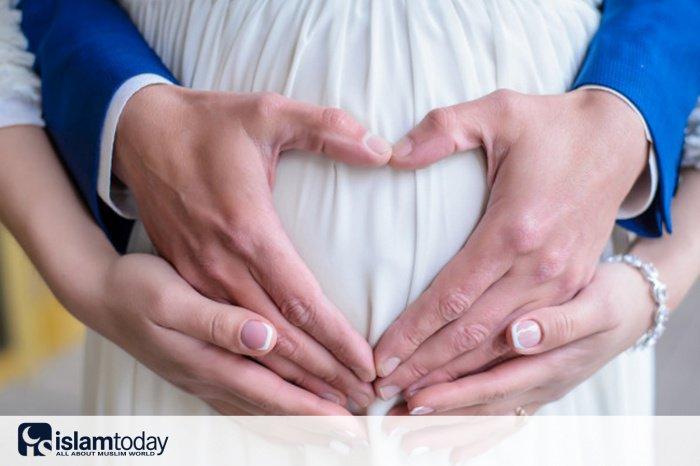 Молитва, читаемая во время беременности (фото: freepik.com)