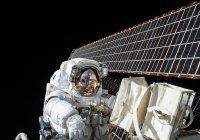 Две женщины начали первый парный выход в открытый космос