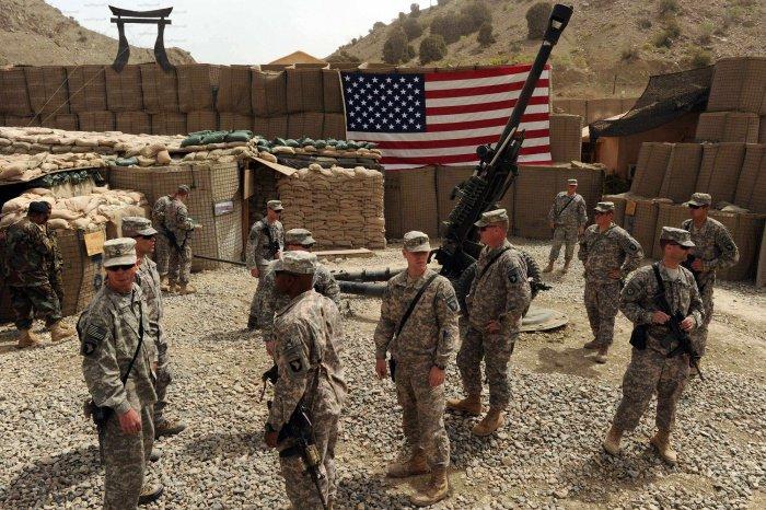 Американских военных в Афганистане может стать почти в 2 раза меньше.