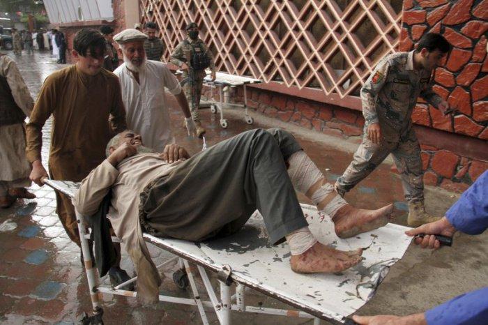 Жертвами теракта в мечети стали более 70 человек.