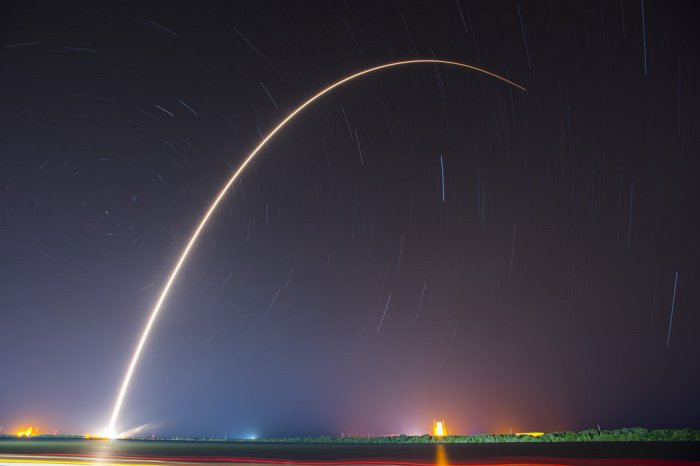 Для управления понадобится всего один профессиональный космонавт вместо экипажа из командира и 2 бортинженеров