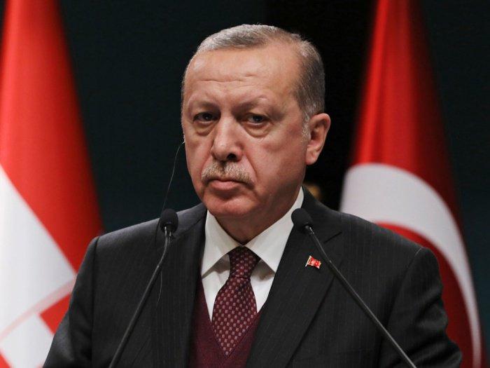Президент Турции будет судиться с французским журналом.