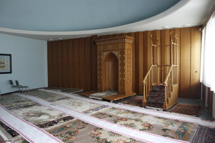 Молельный зал в здании татарской общины в городе Хельсинки. Здесь проводятся пятничные и праздничные намазы