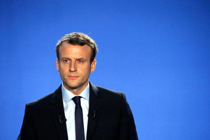 Эммануэль Макрон осудил нападение на французскую мечеть.