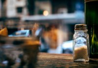 В России изменили рекомендуемый уровень суточного потребления соли