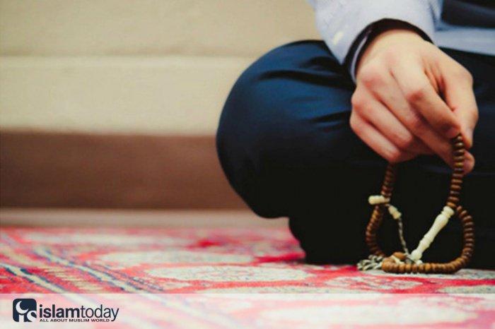 10 дел, совершение которых поможет укрепить нашу веру и приблизить нас к Всевышнему Аллаху.