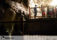 """Где находится известная пещера, в которой скрывались юноши из суры """"Аль-Кахф""""?"""
