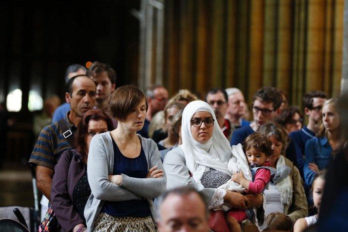 Во Франции провели опрос мусульман.