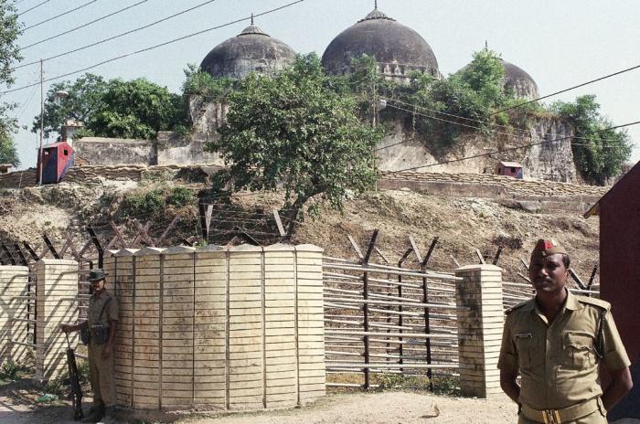 Участок с мечетью Бабри в Индии отдали индуистам.