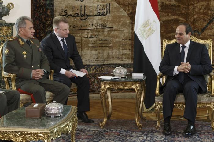 В Каире состоялась встреча Шойгу и ас-Сиси.