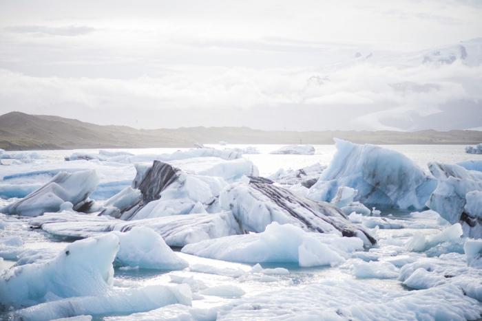 При этом некоторые регионы находятся одновременно и в Дальневосточном федеральном округе (ДФО), и в Арктической зоне