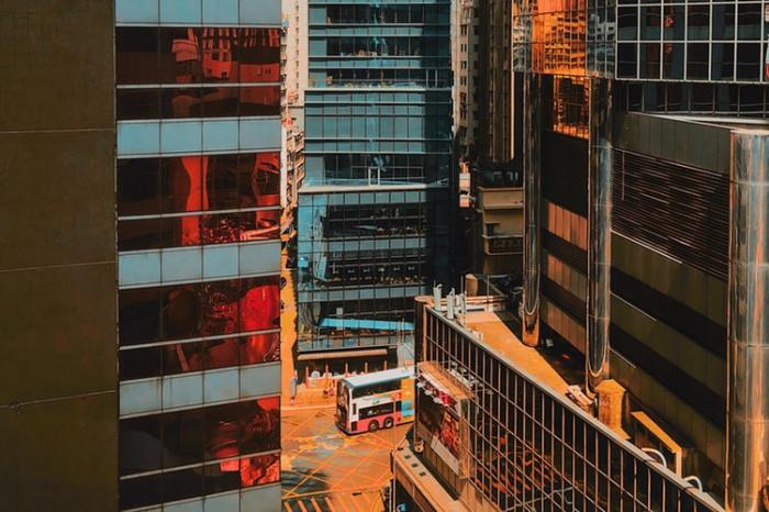 По подсчетам экспертов, во втором квартале нынешнего года средняя стоимость аренды торговых помещений на Козуэй-Бей составила 25,96 тыс. евро за квадратный метр в год