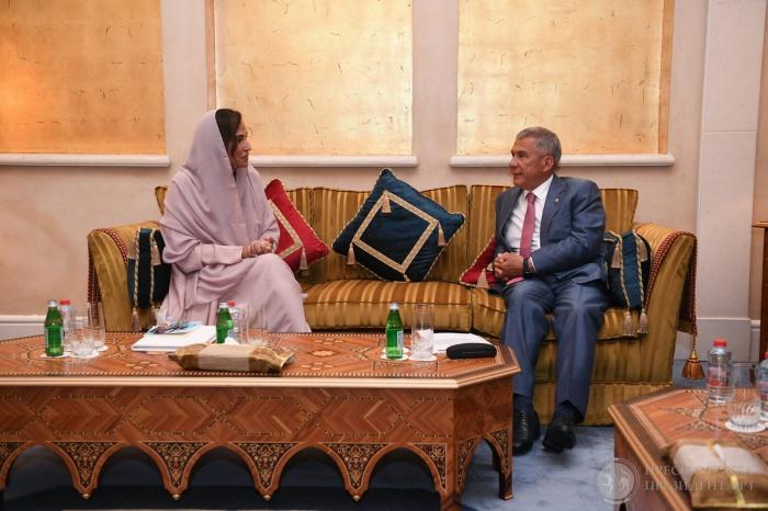 Встреча состоялась на полях II Всемирного саммита толерантности в Дубае.