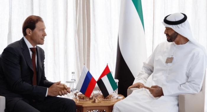 Денис Мантуров и Мухаммед бен Зеид Аль Нахайян на встрече в Дубае.