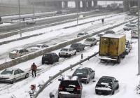 Снегопад стал причиной закрытия школ в Тегеране