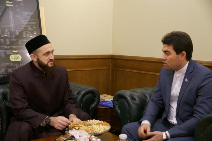 Камиль Самигуллин и Данияр Абдрахманов на встрече в ДУМ РТ.
