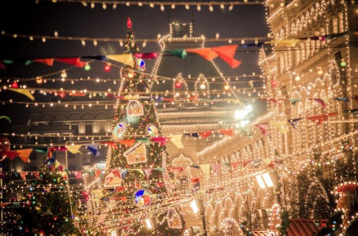 Новогодние каникулы в 2020 году продлятся с 1 по 8 января. 30 и 31 декабря 2019 года останутся рабочими днями