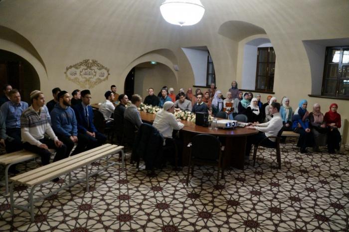 Казанская молодежь отметила день рождения Пророка.