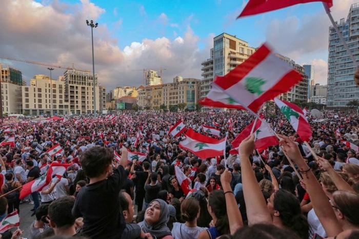 В Ливане продолжаются масштабные протесты.