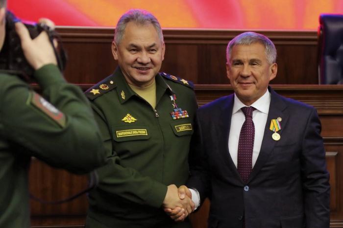 Шойгу и Минниханов на церемонии.