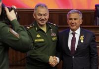 Рустам Минниханов получил медаль «За вклад в укрепление обороны РФ»