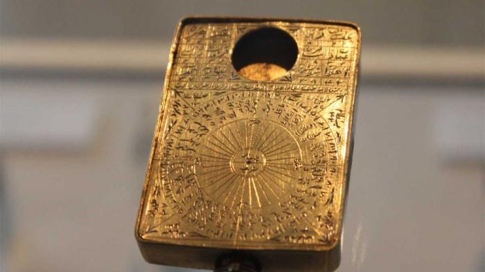Этот средневековый прибор для определения киблы застал ученых врасплох