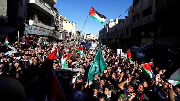 Масштабные протесты в Палестине.