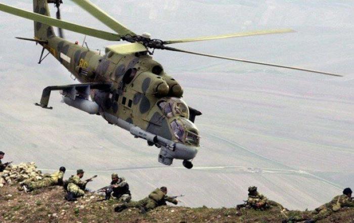 Вертолеты были обстреляны с земли спецподразделением террористов.