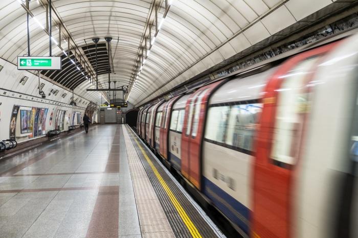 Концентрация в воздухе опасных для человеческого здоровья мелких частиц на ряде линий подземки Лондона выше, чем в метро Лос-Анджелеса, Пекина, Нью-Йорка, Сиднея, Барселоны и Сеула