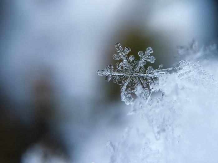 При этом в воскресенье ожидается ухудшение погоды: сильный южный ветер порывами до 16 м/с, мокрый снег, местами с дождем