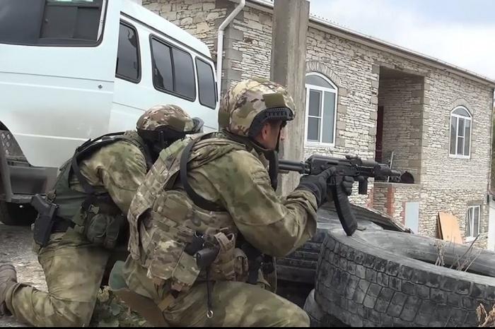 Силовики задержали двух пособников боевиков.