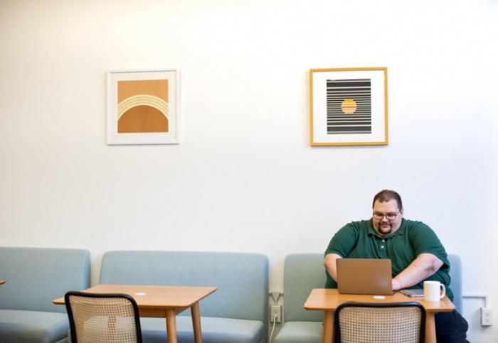Юристы, говорит специалист, набирают вес из-за сидячей работы, а судебные процессы часто сбивают регулярный прием пищи