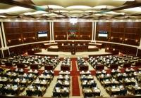 Парламент Азербайджана объявил о самороспуске