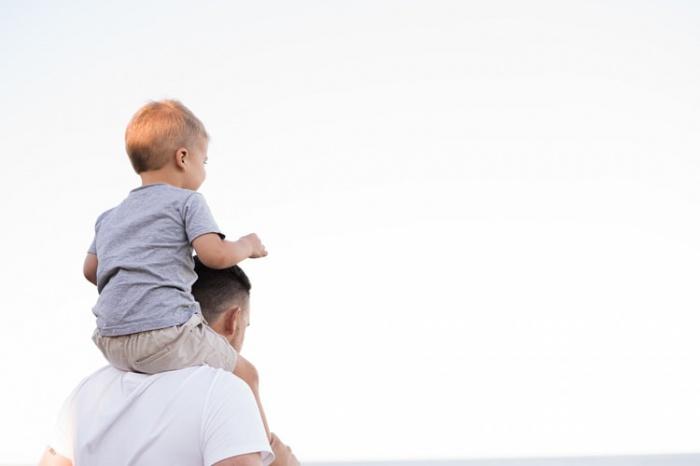 По словам врача, многие родители переоценивают значимость обучения и перегружают своих детей
