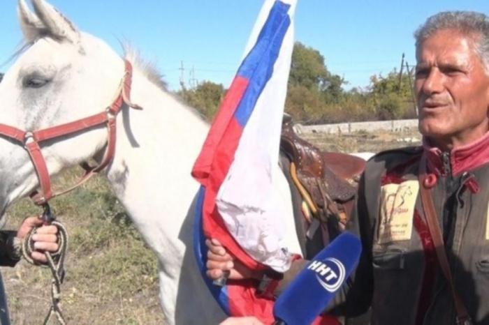 Аднан Аззам и конь по кличке Звезда Сирии.
