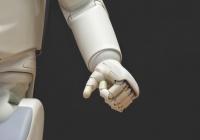 В США робот-лаборант выполнил 100 тыс. экспериментов за год
