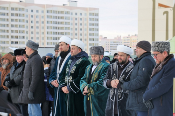 На церемонии старта строительства новой мечети.