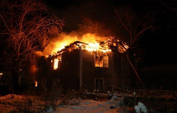 Деревянная мечеть выгорела полностью.
