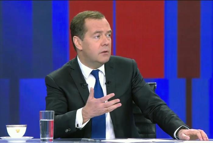 Премьер-министр ответил на вопросы журналистов.
