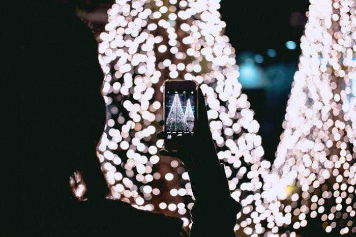 Совершенно бесснежные праздничные ночи, когда снег тает полностью или не успевает покрыть землю, стали учащаться. В 21 веке бесснежные новогодние ночи уже были в 2006 и 2017 годах