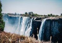 Знаменитый водопад Виктория обмелел из-за засухи (ФОТО)