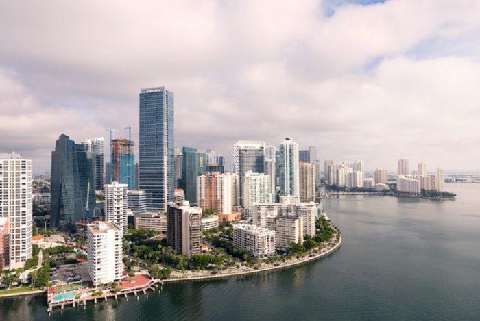 При населении в 500 тыс. человек в Майами каждый год приезжает свыше 8,1 млн. туристов