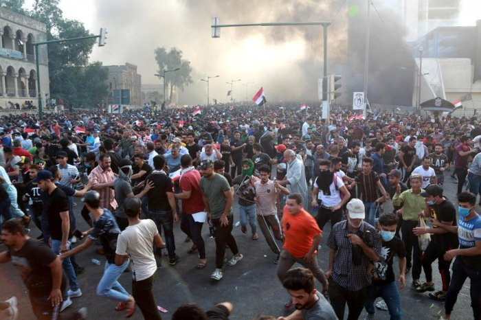 Масштабные протесты продолжаются в Ираке с начала октября.