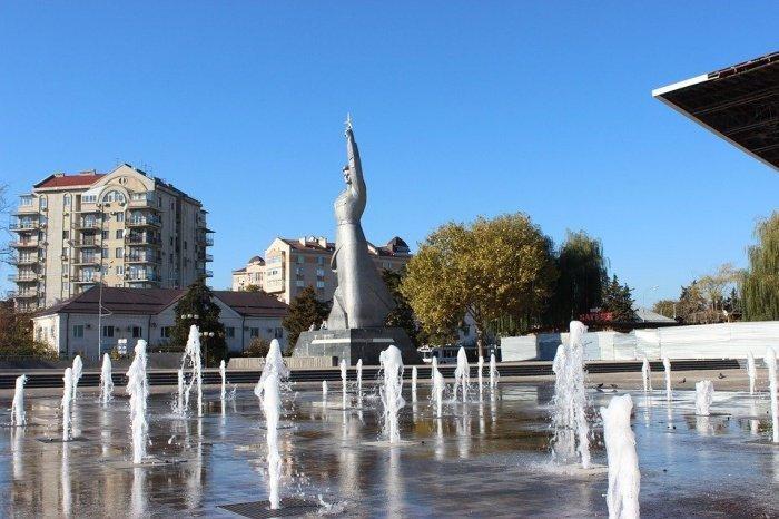Создатели рейтинга объяснили свой выбор тем, что в настоящее время столица Краснодарского края активно развивается