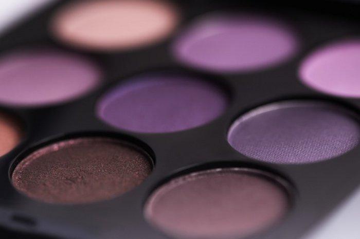 Зараженными оказываются порядка 90% открытых косметических товаров в торговых точках