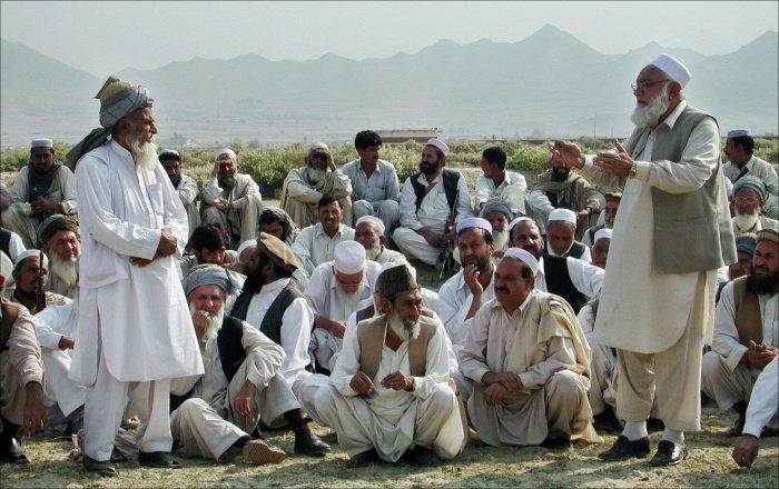 В Афганистане продолжаются операции по освобождению племенных старейшин.