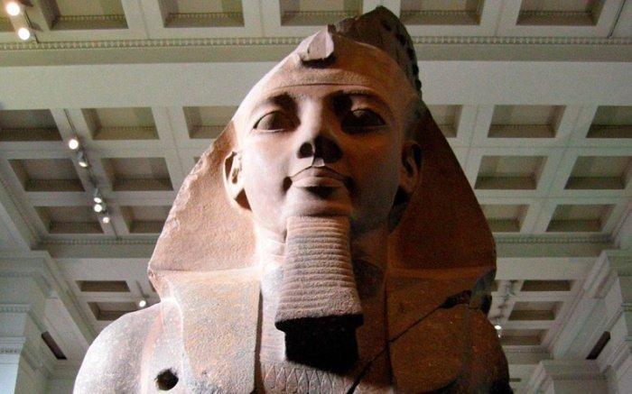 Редкую статую Рамзеса Второго нашли в Египте.