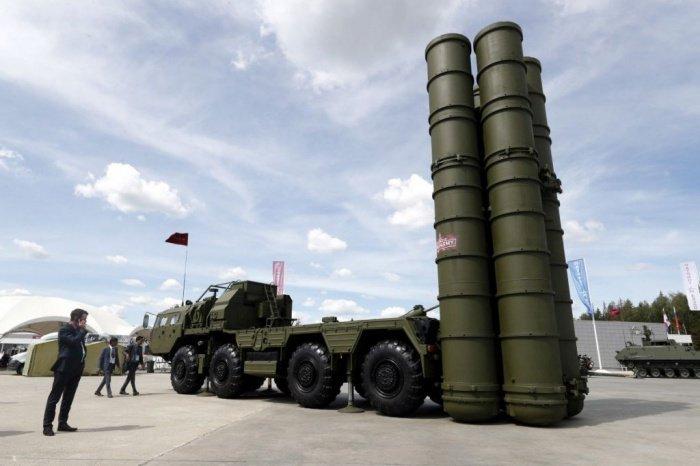 Стоимость контракта на поставки С-400 составляет 2,5 млрд долларов.
