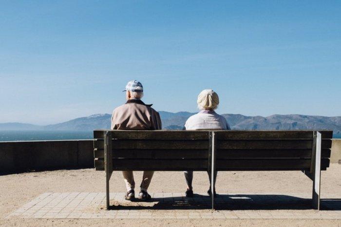 В 2009 году супруги перебрались жить в дом престарелых, и к 16 декабря 2019 года их суммарный возраст достиг 211 лет и 175 дней