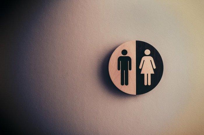 Специалисты WEF подчеркивают, что сужение диспропорции произошло впервые за 3 года. При этом в основном улучшение произошло за счет роста числа женщин в политике - со 107 до 95 лет